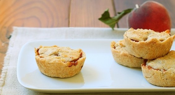 Mini-Peach-Pies