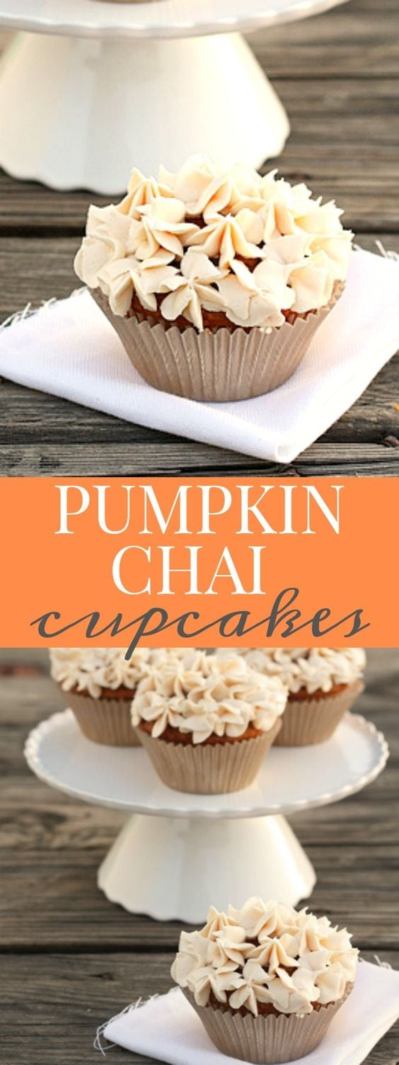 Pumpkin chai cupcakes made of a soft and tender pumpkin cupcake with creamy and spice chai frosting! #pumpkin #chai #pumpkinchai #pumpkinspice #pumpkinspicelattecupcakes #pumpkindessert #pumpkincupcakes #smallbatchcupcakes #smallrecipecupcakes #recipeforcupcakes #halfbatchcupcakes