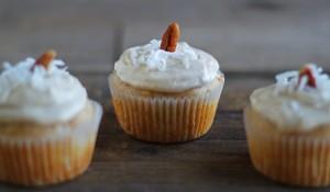 Hummingbird Cupcakes - DessertForTwo.com