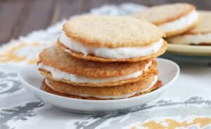 Banana Cream Cookies - DessertForTwo.com