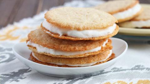 Banana Cookies with Cream
