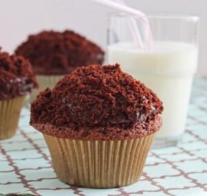 Black Out Cupcakes - DessertForTwo.com