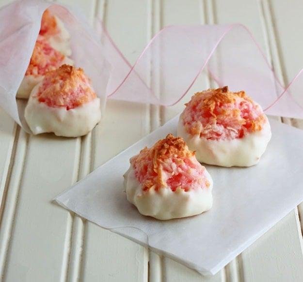 Pink Macaroons | DessertForTwo.com