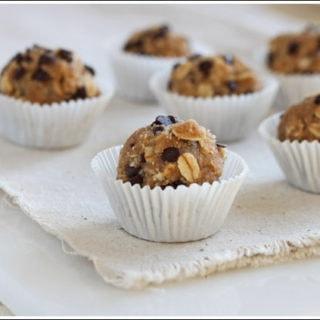 Oatmeal Cookie Dough Bites {gluten free}