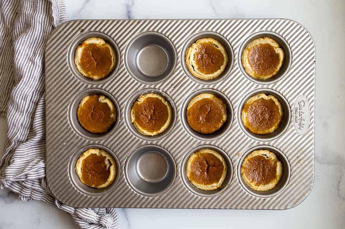 small pumpkin pie