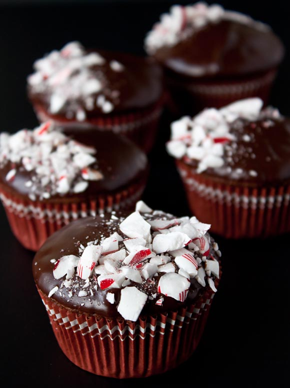 Chocolate-Peppermint-Crunch-Cupcakes-1