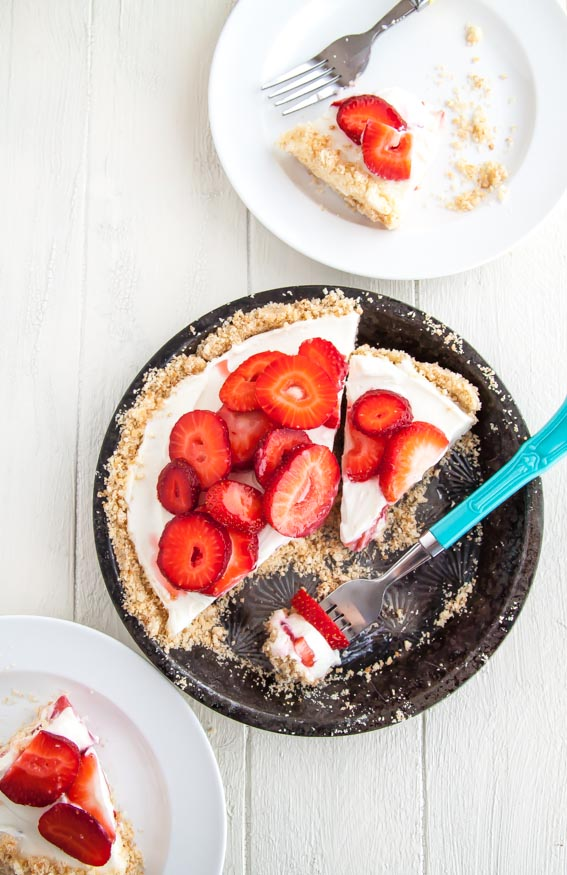 Strawberry-Mascarpone-Yogurt-Pie | dessertfortwo.com