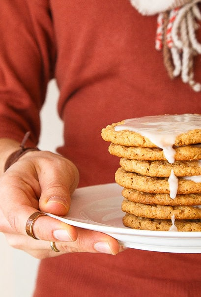 Small batch oatmeal cookies sweetened with honey. Recipe makes 10 perfectly thin and chewy oatmeal cookies for two.