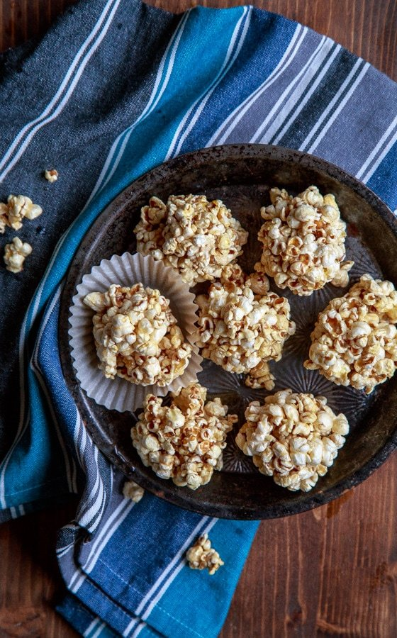The old fashioned holiday popcorn ball needs to be brought back! This one is naturally sweetened with maple syrup and brown rice syrup. A guilt free holiday dessert! @dessertfortwo