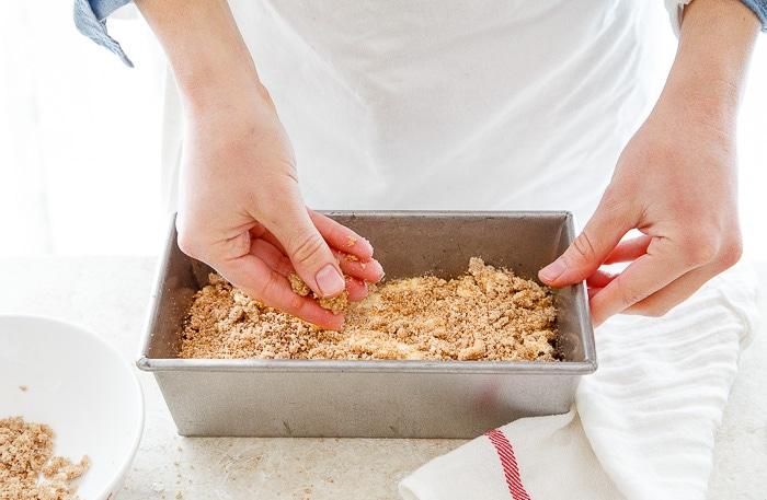 Cinnamon coffee cake recipe @dessertfortwo