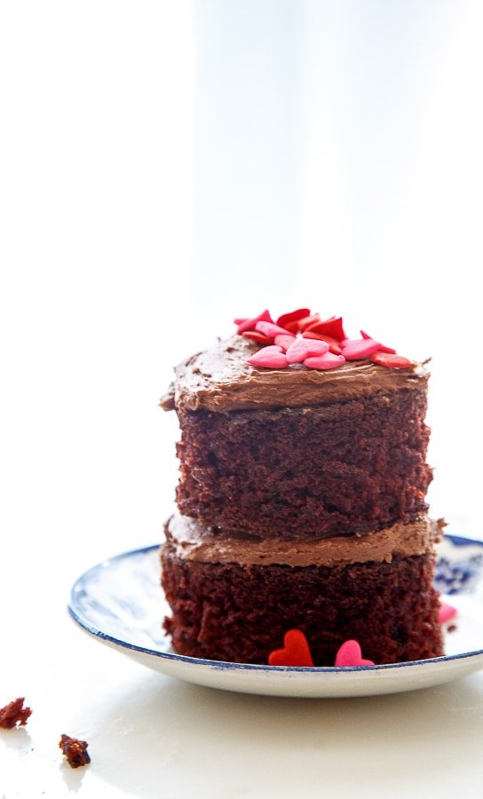 Mini chocolate layer cakes for two for Valentines Day