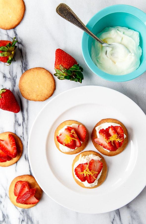 Strawberry Shortbread Bites