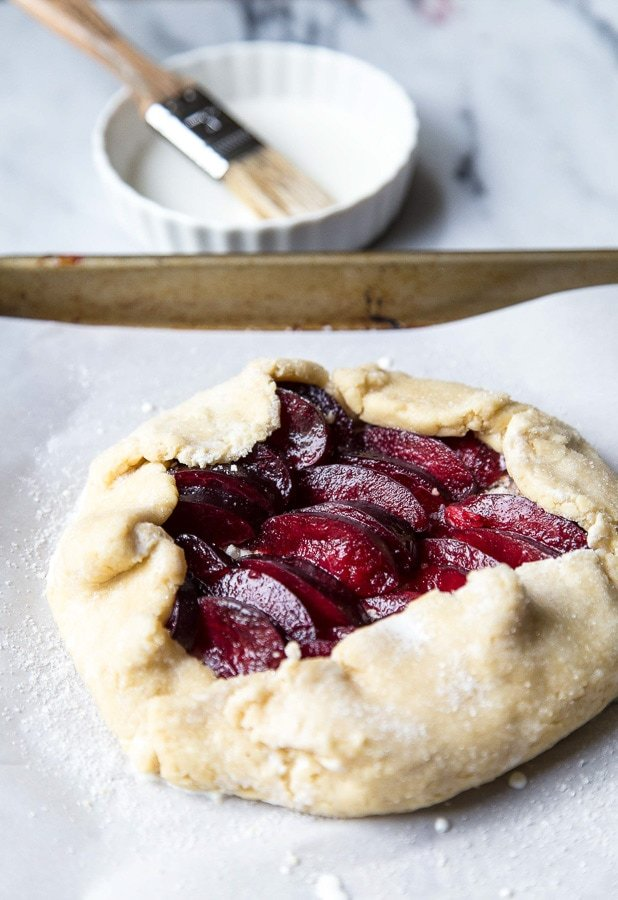 Easy Plum Fruit Tart recipe @dessertfortwo