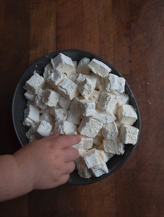 Homemade marshmallows made without corn syrup. Clean eating, kid friendly marshmallows