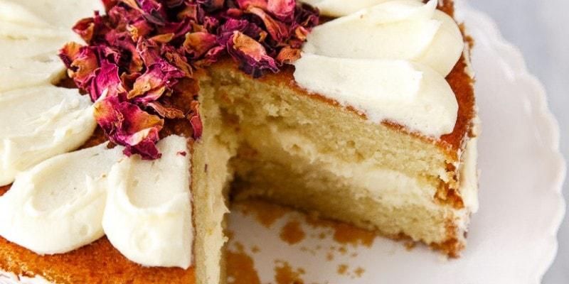 White Chocolate Rose Mini Cake