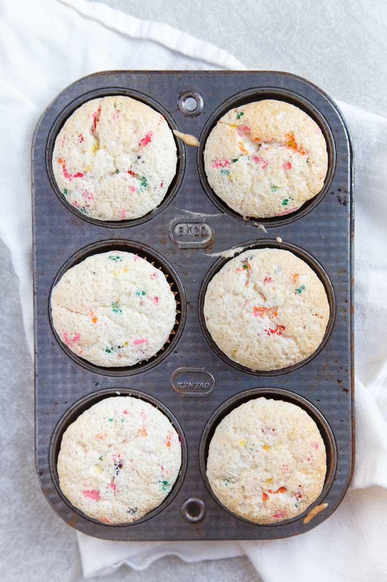Funfetti Cupcake Recipe: half dozen recipe for 6 cupcakes.