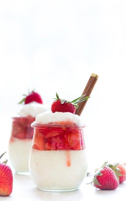 Greek Yogurt Cheesecake in Jars