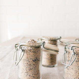 Homemade food gift: chai sugar in jars