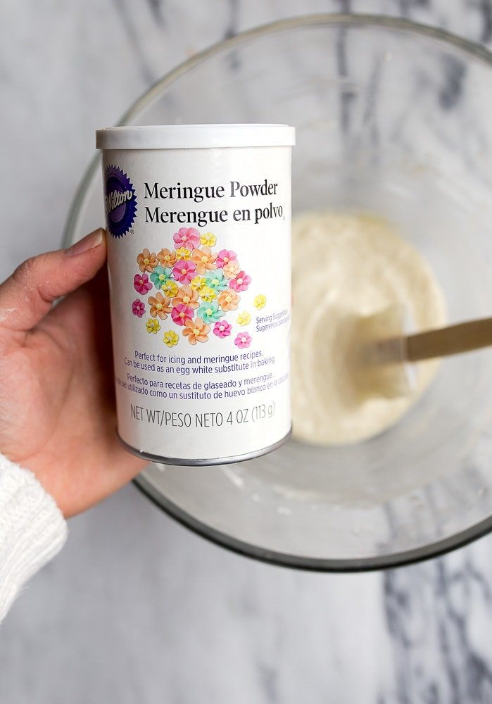 Meringue powder for perfect macarons