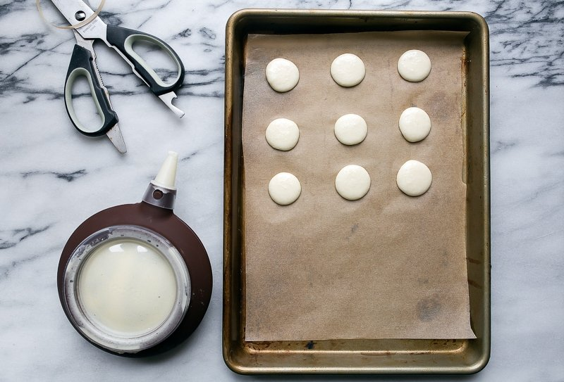 Small batch macaron cookies for two. Small batch cookies. Dessert for two