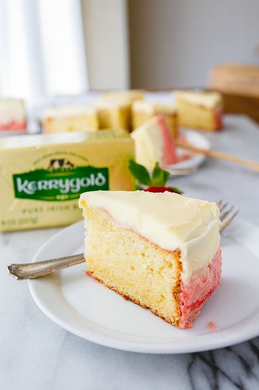 Mini vanilla cake recipe with strawberry buttercream frosting for two.