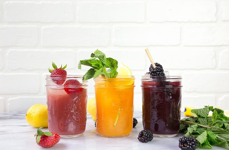 Jam cocktails (jamtinis) made in mason jars.