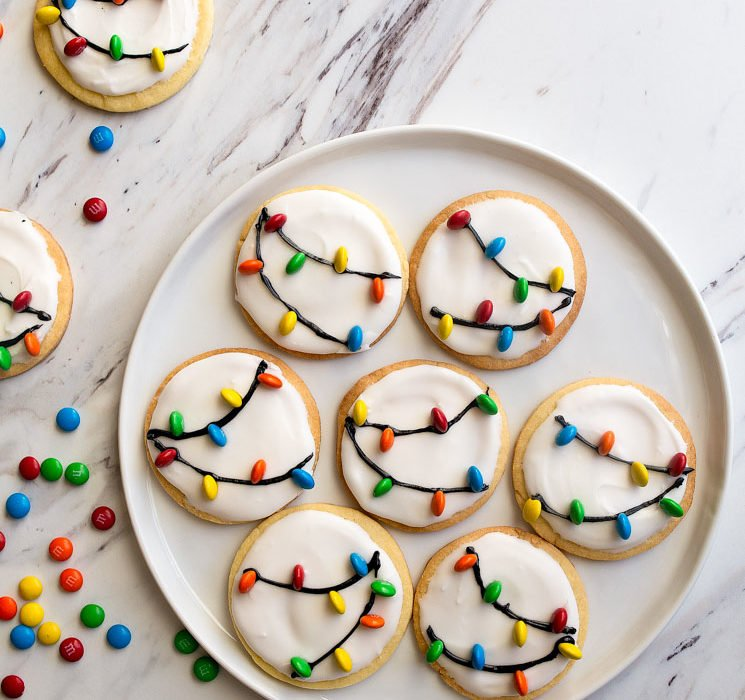 Christmas Lights Cookies for Santa! A small batch sugar cookie recipe with easy royal icing and M&Ms.