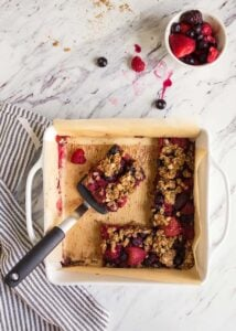 Mixed Berry Baked Oatmeal Bars