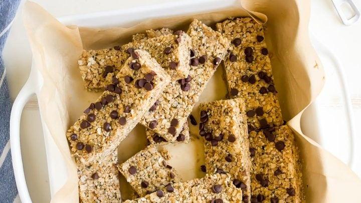 Homemade Protein Bars Recipe made with hemp seeds and vegan, too! Protein bars without protein powder.