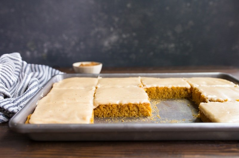 pumpkin-sheet-cake