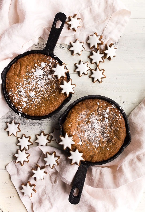 Cast-Iron-Skillet-Gingerbread-Cookie