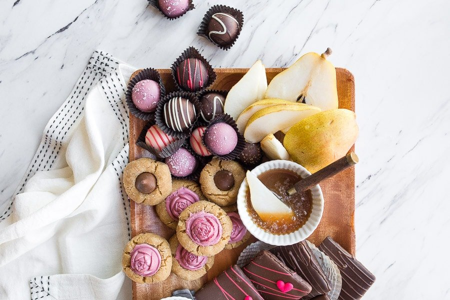 how-to-make-a-dessert-board