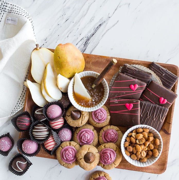 how-to-make-a-dessert-charcuterie-board